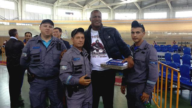 Охранники «Дельта-Омск» с легендарным кубинцем